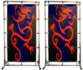 Vrijstaand frame met dubbelzijdig bedrukt spandoek
